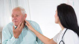 Como a fonoaudiologia pode ajudar pacientes com Mal de Parkinson?